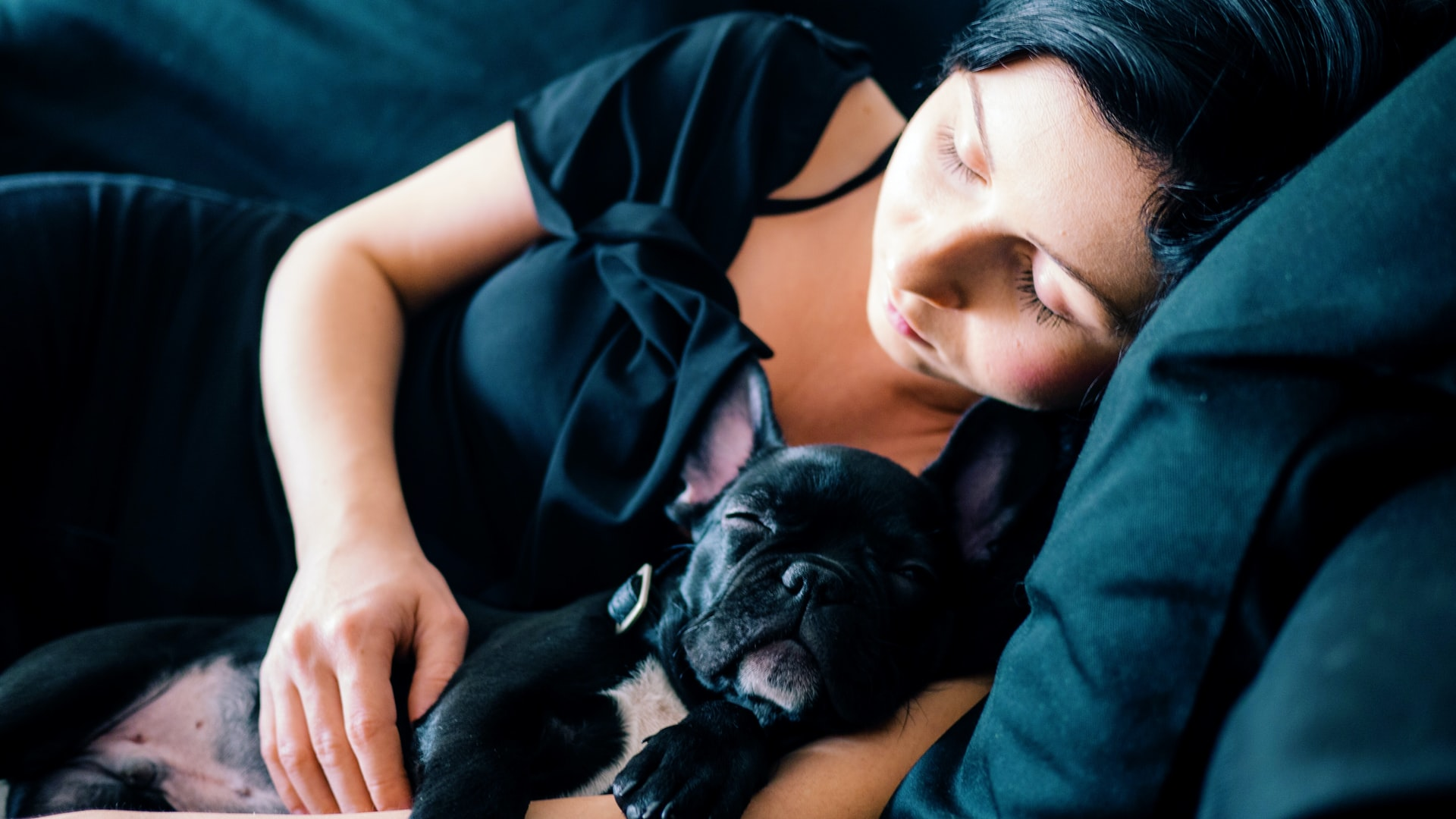 girl-and-puppy-in-deep-sleep.jpg