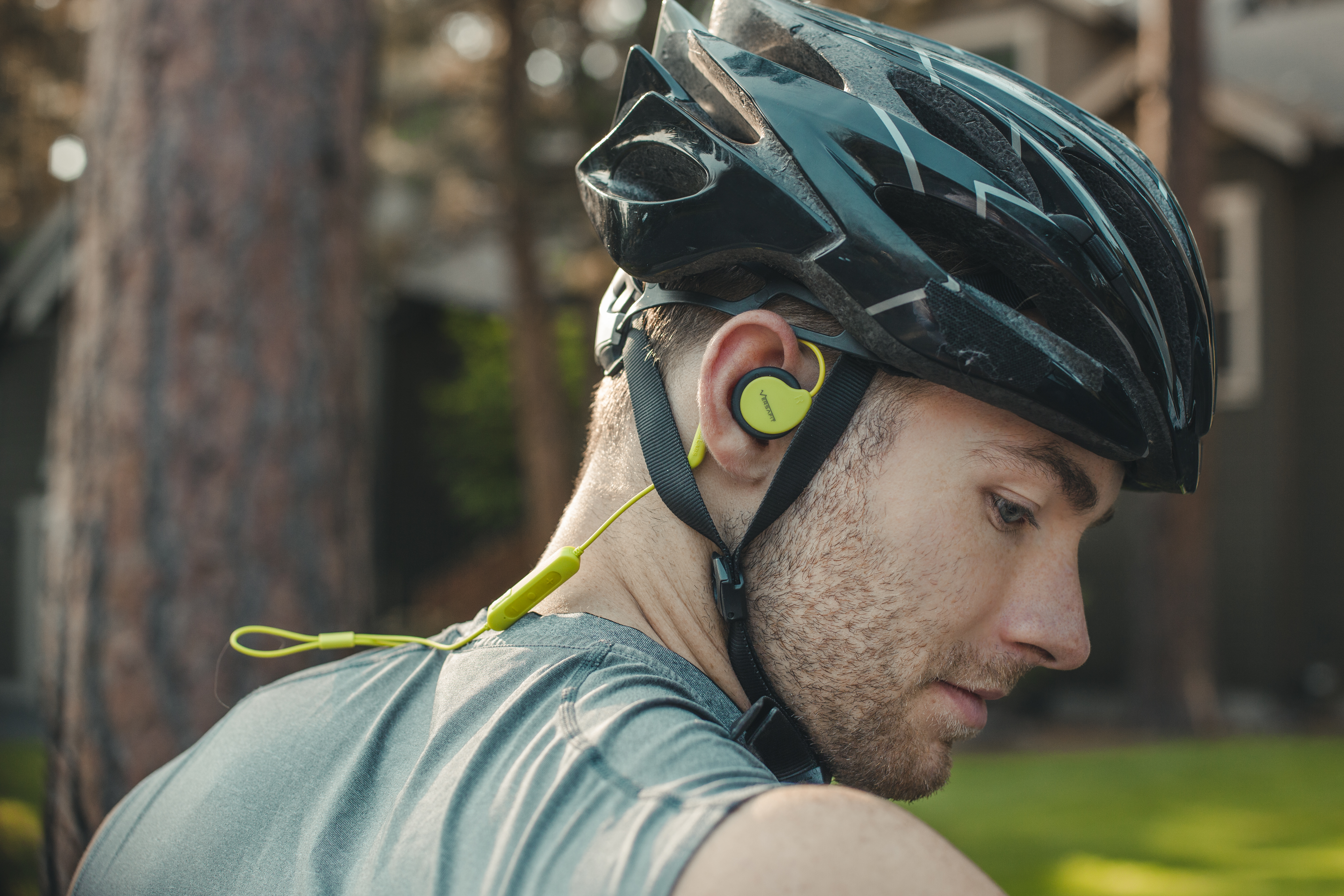Wireless and Sweatproof Sport Headphones